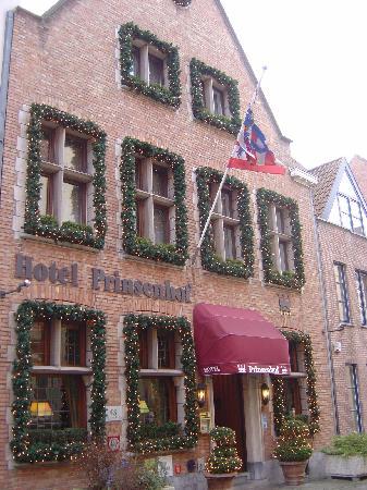 Hotel Prinsenhof Bruges: front of hotel