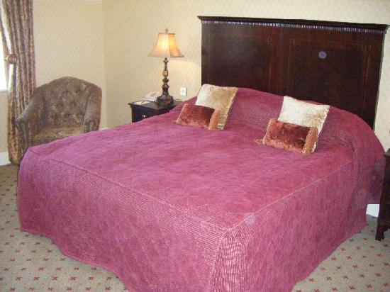 Lough Erne Resort: Big Comfy King Bed