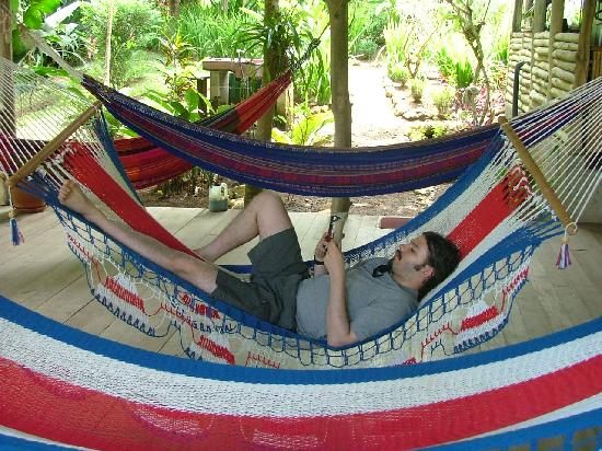 Rio Nuevo Lodge: Relaxing hammocks