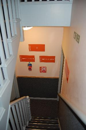 easyHotel Paddington London: encore l'escalier