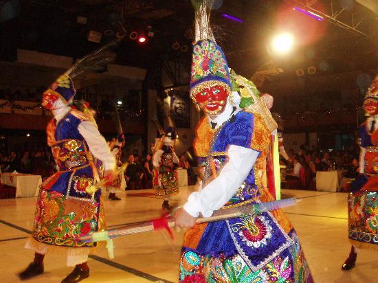 Lima, Peru: Todas las danzas!