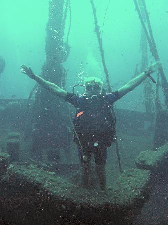 Hotel Alkyon : Diving on the wreck of the Lefteris