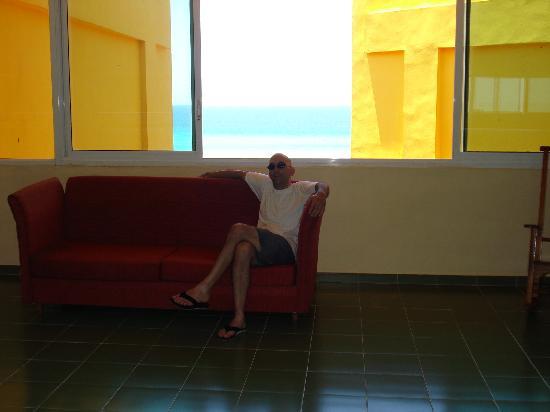 Les couloirs de l'hotel sont vitrés on voit toujours la mer...