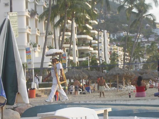 Tropicana Hotel: Sur la plage