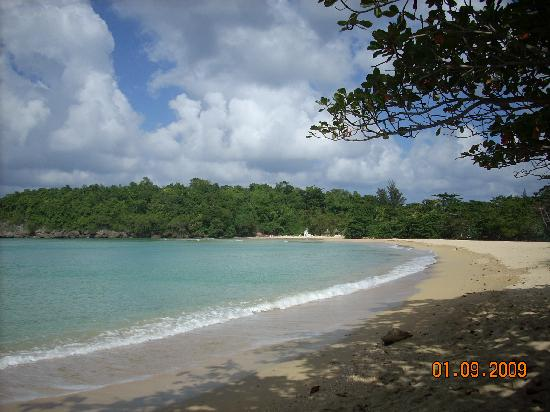 Crystal Ripple Beach Lodge: Beach at Crystal Ripple