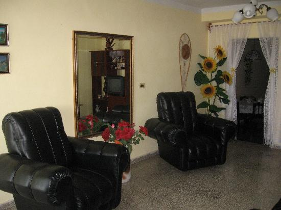 Casa Particular Cuba Aleida Ravelo: Camera spaziosa e silenziosa
