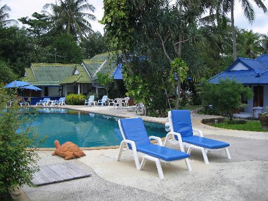 Saladan Beach Resort: around the pool