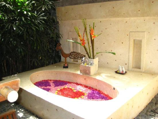 Jamahal Private Resort & SPA: bath