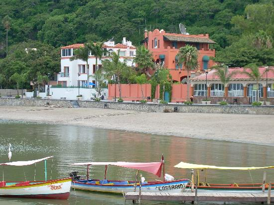 Lake Chapala: Chapala Pier, looking toward the beach