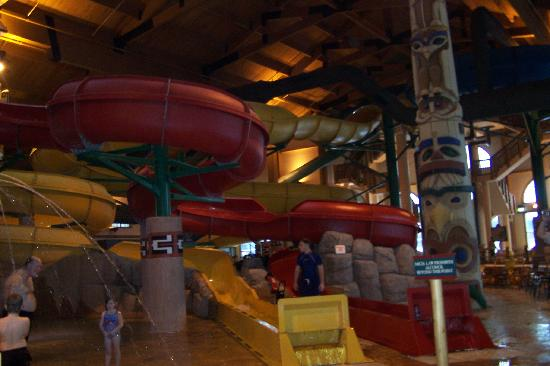 Great Wolf Lodge: two slides
