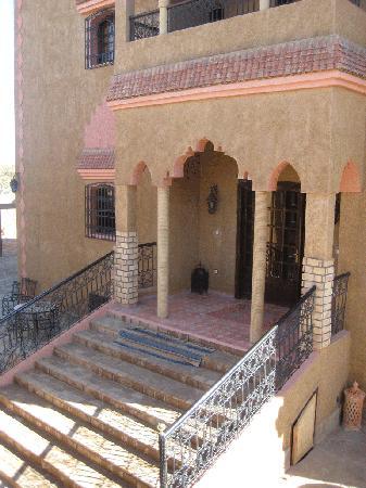 Riad Nezha: Entrada Riad