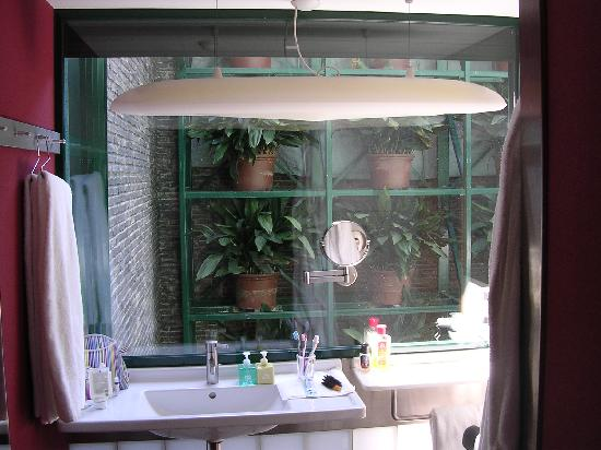 Casa Camper Hotel Barcelona: salle de bain