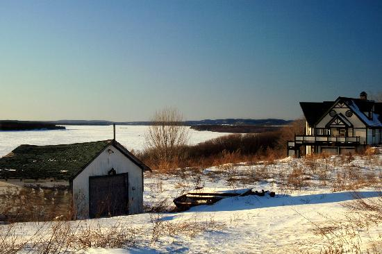 Γκατινό, Καναδάς: Wiinter Afternoon on the Ottawa River