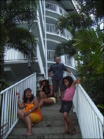 Tatiana Apartments - Apaula Heights : my family