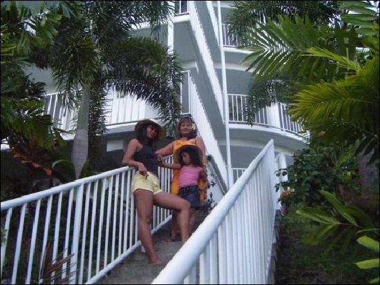 Tatiana Apartments - Apaula Heights : apaula guests