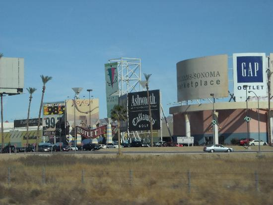 Casino outlet mall