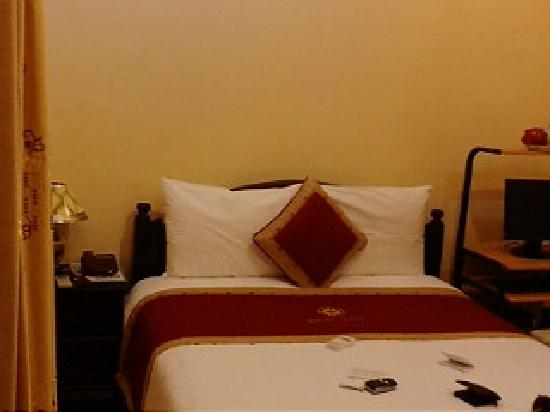 Sunshine Hotel 3