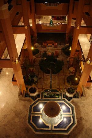 Imperial Borj Hotel: Hall vue de notre étage.