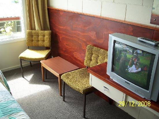 Couple of chairs pinched from st vinnies i think for Manapouri lakeview motor inn