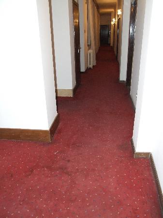 Mercure Belgrade Excelsior : Hallway of the third floor