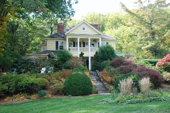 The Yellow House on Plott Creek Road: What more could you ask for!