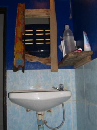 Time For Lime Bungalows: Bathroom2