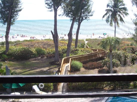 Pine Cove of Sanibel: Pine Cove #303 lanai view