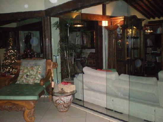 Cachoeira Inn: Upstairs lounge area