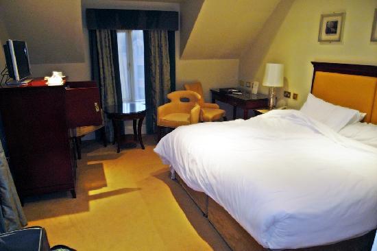 Bunratty Castle Hotel: Bedroom