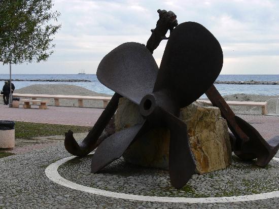 San Bartolomeo Al Mare Promenade