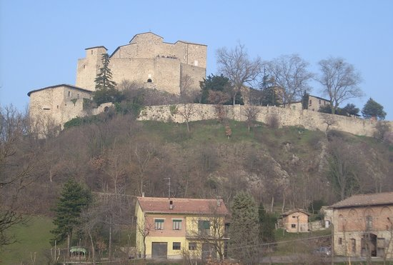 Болонья, Италия: Castle Rossena outside Bologna near Reggio Emila