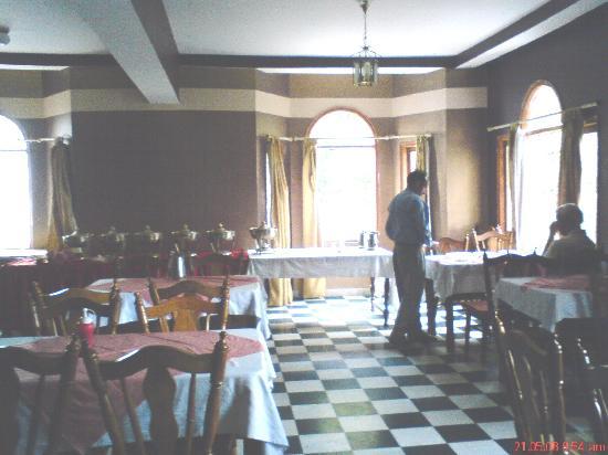 Lall Ji Tourist Resort: breakfast room