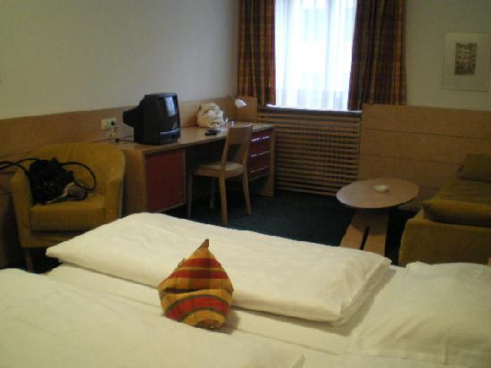 Hotel Figl: Bedroom 2