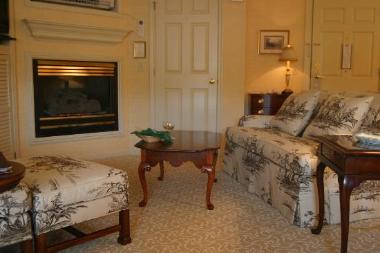 Golden Plough Inn at Peddler's Village: this is the living room area with the fireplace.