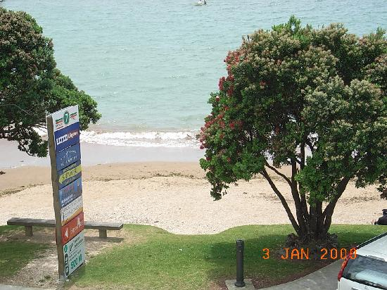 At Our Place Bed and Breakfast: The beach and watersports really are this close!