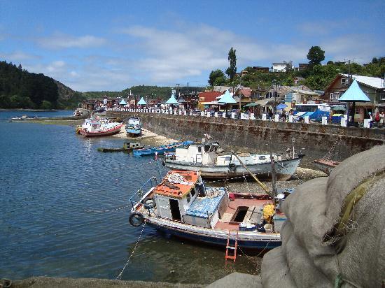 Puerto Montt, Chile: barcas de pescadores bien coloridas