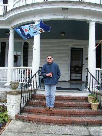 Edenton, NC: Hubby on Front Porch