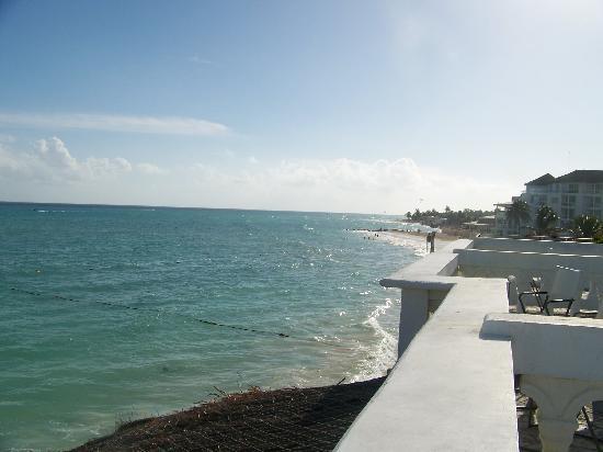 Plaza Marina Condos: View from balcony south toward Playacar