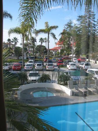 Glorietta Bay Inn: Glorietta Bay - view of jacuzzi and pool from room 786 - January 2009