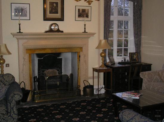 Plas Dinas Country House: Drawing Room