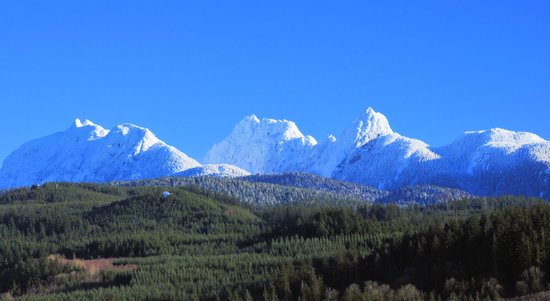Maple Ridge, Canada : snow cap of golden ears