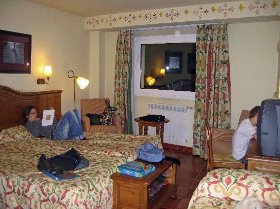 Canillo, Andorra: Tiny room for 3