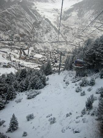 Hotel Ski Plaza: back to Canillo after ski day