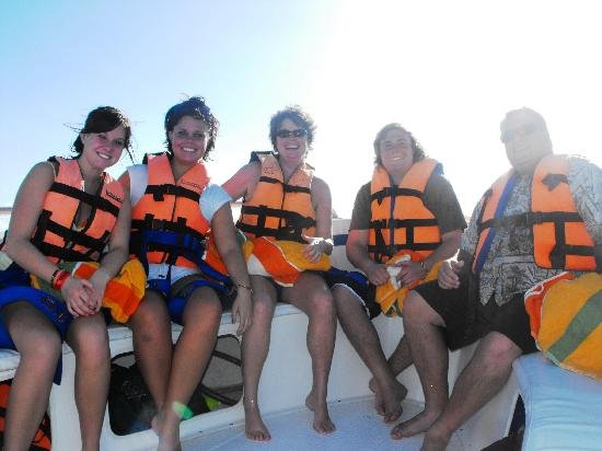 Riviera Maya Suites: Out for Snorkeling and Para-sailing