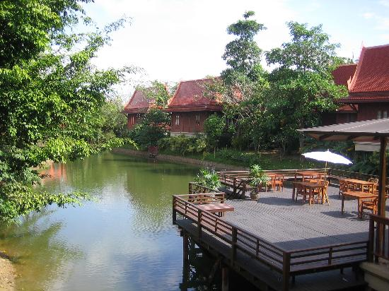 At Panta: Nice river and thai style buildings