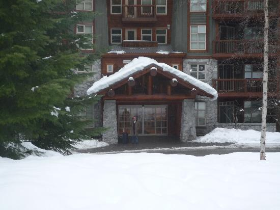Lost Lake Lodge: The front door