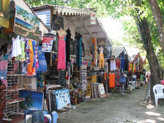 Casa Marina Beach & Reef: Market in Sosua