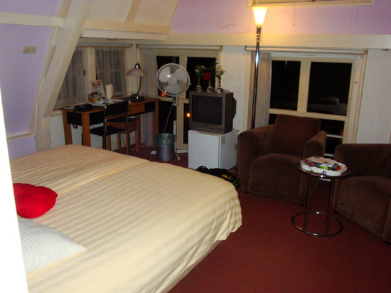 't Hotel: Great room - and very comfortable bed.