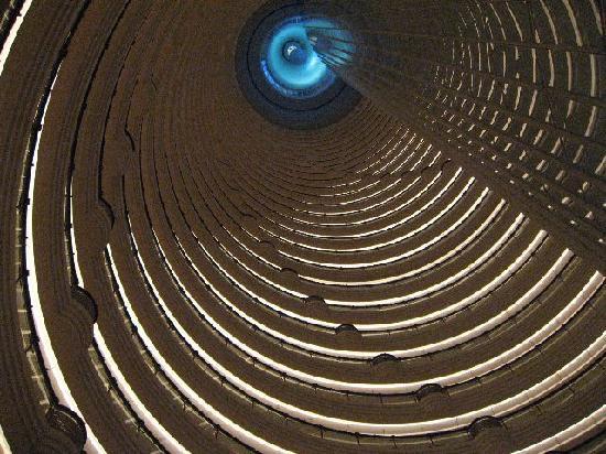 「世界一の吹き抜け」の画像検索結果
