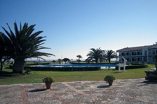 Parador de Malaga Golf: Jardines y piscina